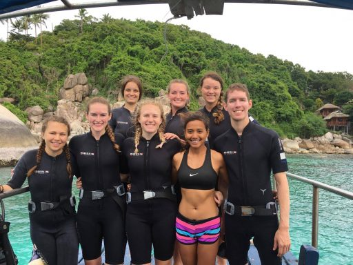 Loop Students in Scuba Diving gear